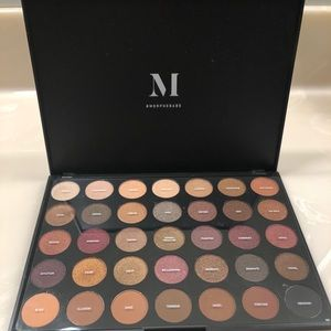 Morphe Fall into Frost 35F